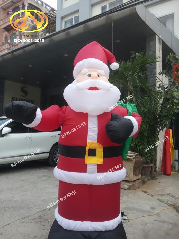 Hình  nộm  Ông  Già  Noel